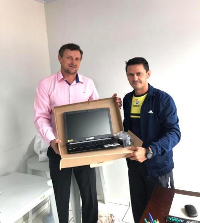 Aesupar adquire novo computador para atender a demanda de trabalho