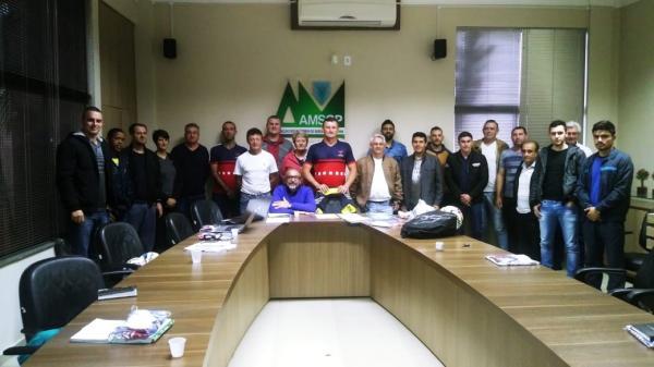 Aesupar reúne membros para debater sobre eventos esportivos