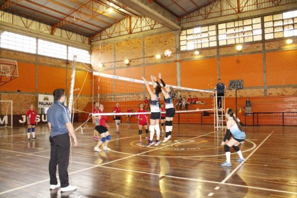 Palmas recebeu a primeira etapa do Circuito Jamsop's de Voleibol