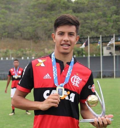 Destaque no Sub 17 do Verê, Matheus Santana já se destaca no Flamengo