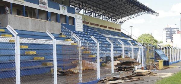 Ritmo intenso nas reformas do Estádio Anilado em Francisco Beltrão
