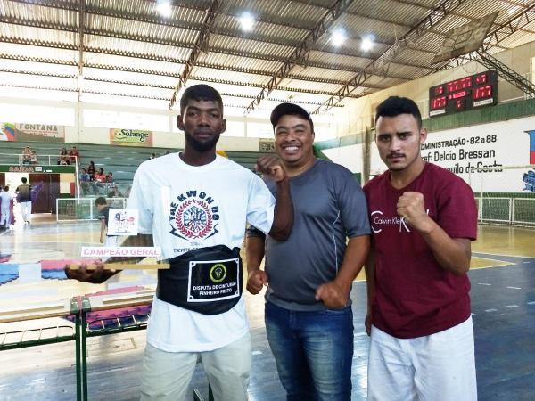 Palmense é campeão de Taekwondo em Pinheiro Preto - SC
