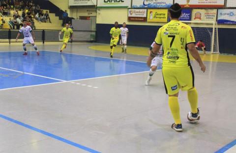 AAEMA Mariópolis perde em casa na estreia do Paranaense de Futsal