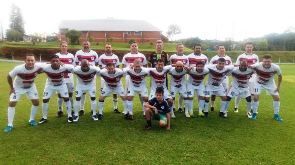 Veteranos Palmas goleiam Bom Sucesso do Sul em amistoso
