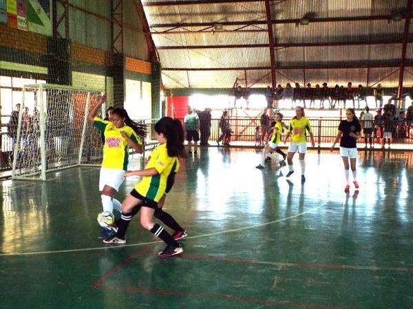 Jogos Escolares Municipais em andamento em Coronel Domingos Soares