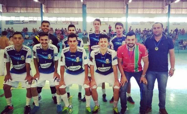 Equipe Vereense conquista o título do Campeonato Regional de Futsal