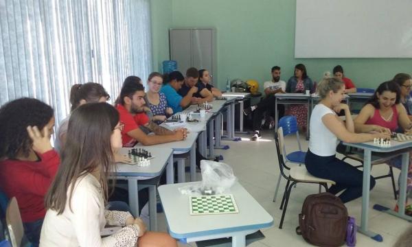 Professores de Ed. Física participam de capacitação em Francisco Beltrão