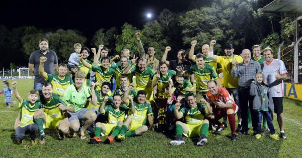 Veteranos Capanema Demenech ficam com o título Campeonato de Futebol Master 2018