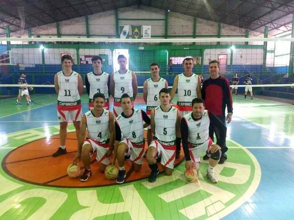 Equipes de Capanema participam da Taça Independência em Pérola D'Oeste