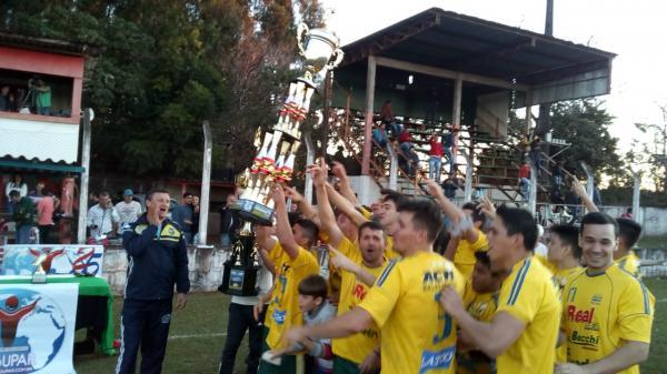 Nos pênaltis, Realeza ergue pela primeira vez a Taça da Copa Sudoeste de Futebol